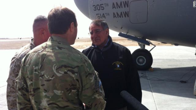 Leon Panetta llega a Afganistán en medio de ataques por matanza de civiles