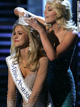 Haglund, at the time 19 years old, is crowned Miss America 2008.