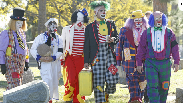 Send in the clowns on 'Modern Family'