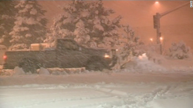 Tormenta de nieve bloquea casi 300 kilómetros de carretera en Arizona