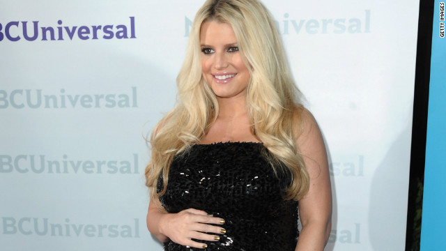 Singer Jessica Simpson has given birth to a daughter.