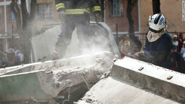 El gobierno del DF pide revisar edificios con grietas tras el sismo