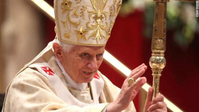 La visita del papa empañada por el legado Juan Pablo II en México