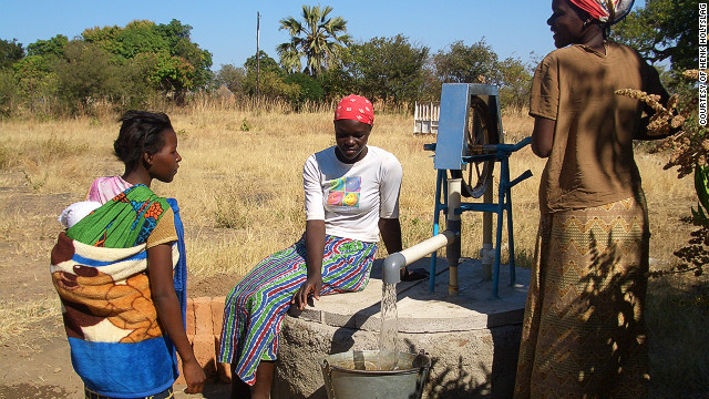 There are now over 30.000 rope pumps in Africa and over 90.000 installed in Nicaragua according to <a href='http://www.connectinternational.nl/' target='_blank'>Connect International</a>.