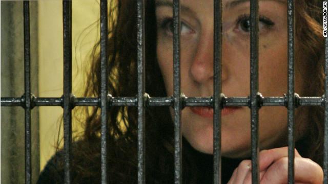 Florence Cassez permanece en la cárcel hasta nuevo análisis en la Corte