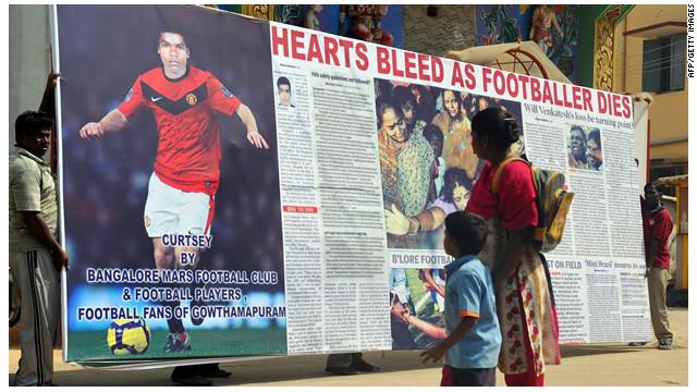 Un futbolista indio muere en la cancha tras sufrir un ataque al corazón