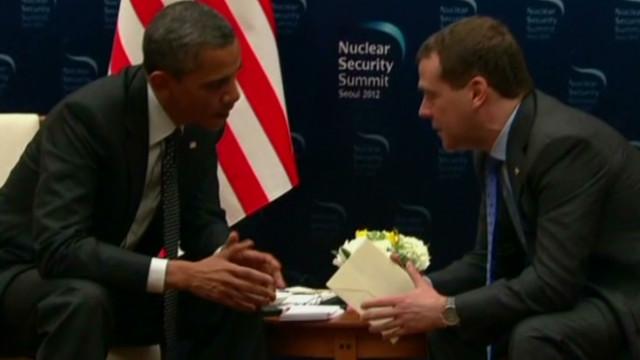 Un micrófono abierto revela una conversación de Obama sobre misiles