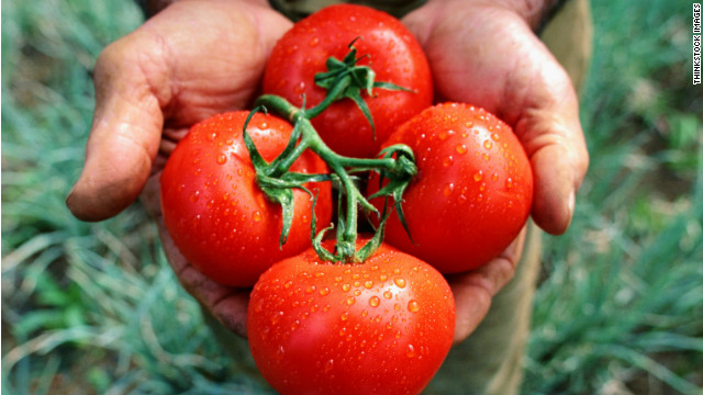 Box lunch: Tomato pickers and a 'black and bleu' controversy