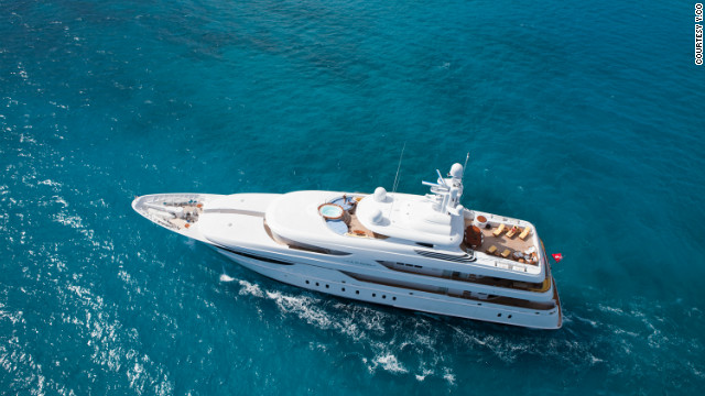 A sleek and modern yacht on the outside, Oasis exudes a decadent 1930s chic on the inside.