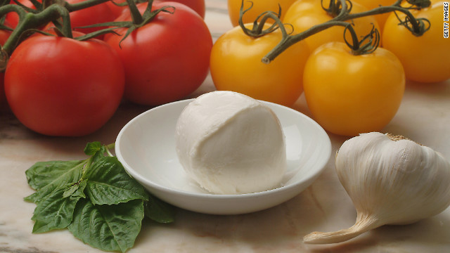 Box lunch: Making mozzarella and power carbs