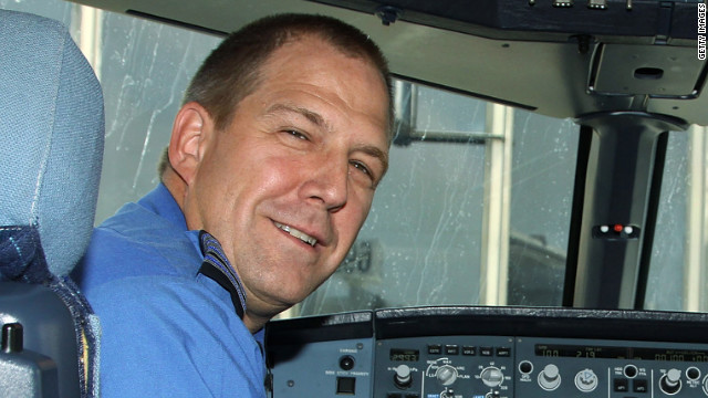 Officials are investigating pilot Clayton Osbon's erratic behavior aboard JetBlue Flight 191.