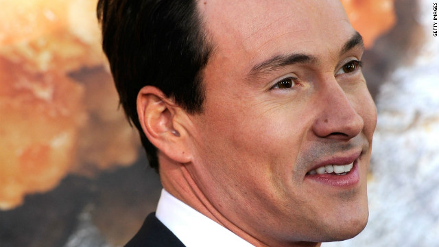 Chris Klein opens up on battle with alcoholism