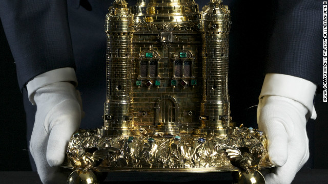 The Crown Jewels collection also contains items created for banquets. This enormous gold salt cellar, in the shape of a castle, was presented to King Charles II after the Civil War by the citizens of Exeter.