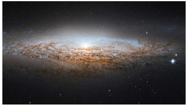"El telescopio Hubble capta una galaxia ""ovni"""