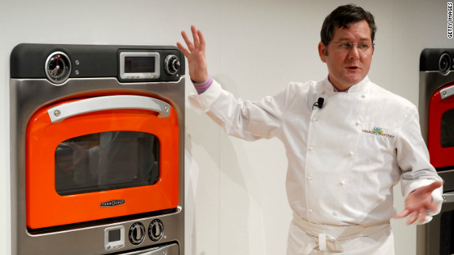 Chicago based chef Charlie Trotter was formerly the brains behind United Airlines first and business-class menus. 