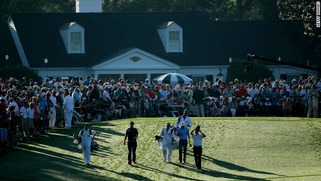 Most Augusta patrons seem untroubled by male-only membership policy