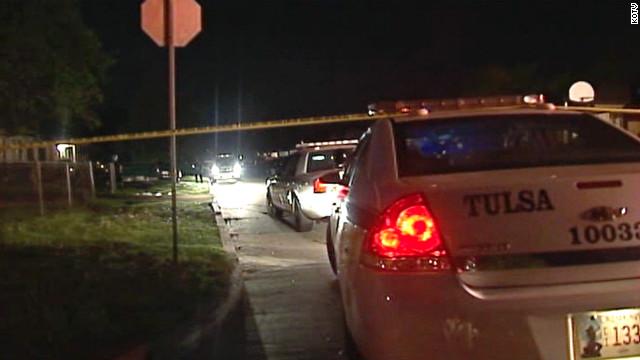 Policía de Tulsa busca a sospechoso pistolero solitario que mató 3 personas