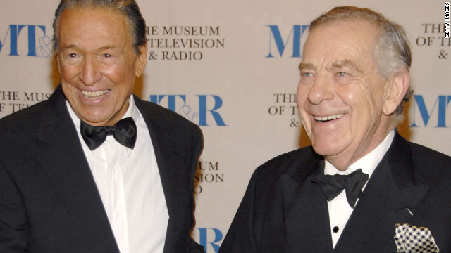 Wallace and Morley Safer pose at The Museum Of Television &amp;amp; Radio's Annual Gala in New York in 2007.