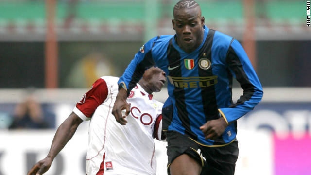 Balotelli's first-team debut came in December 2007 as a subsitute with Internazionale. Three days later the 17-year-old scored two goals during Inter's 4-1 Coppa Italia win against Reggina.