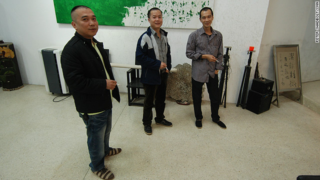 The Yiangjiang Group - Sun Qingling (left), Chen Zaiyan and Zheng Guogu - subvert Chinese calligraphy 