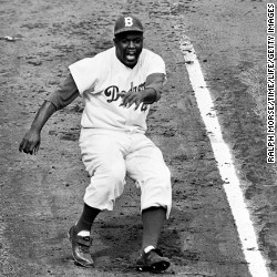 Jackie robinson breaking the color barrier essay