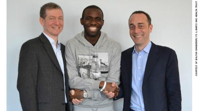 Fabrice Muamba es dado de alta del Hospital London Chest