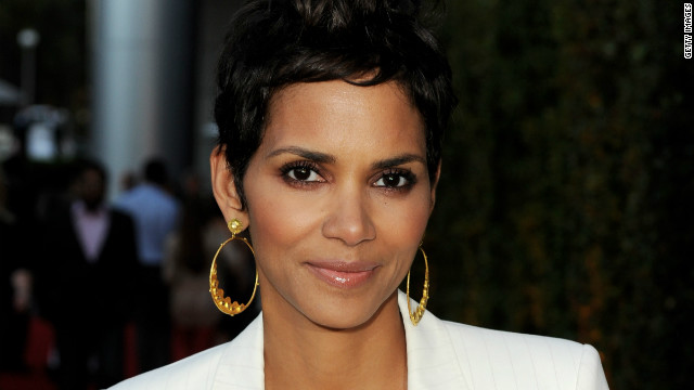 Halle Berry suffers minor head injury on film set