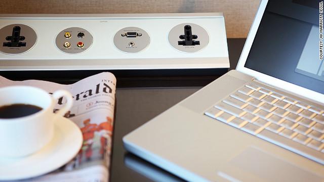 """¿Hay """"hackers"""" en el WiFi del hotel? El FBI dice que sí; y en aeropuertos"""