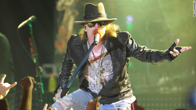 Axl Rose apologizes to Cleveland after Hall of Fame snub
