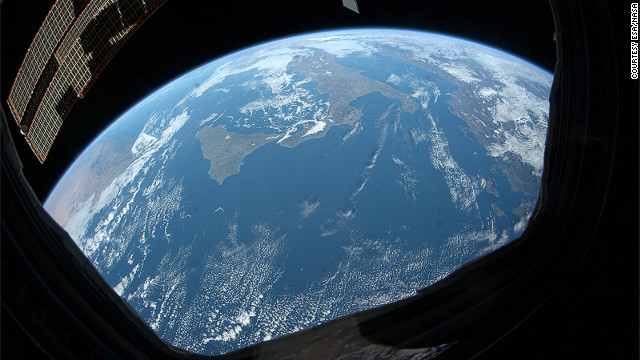 An astronaut\'s view of Earth