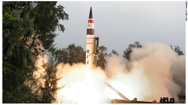 India prueba con éxito el lanzamiento de un cohete de largo alcance