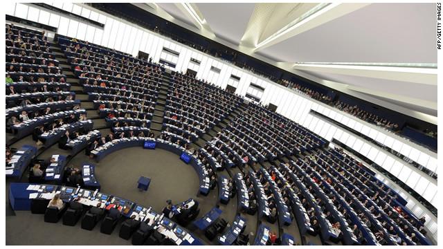 Parlamento Europeo pide medidas contra Argentina por expropiar YPF