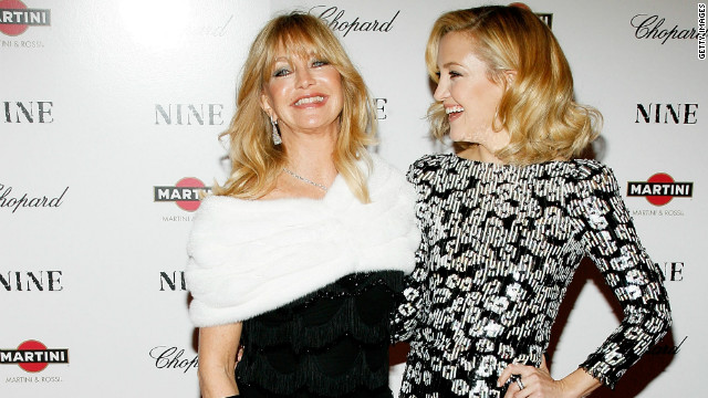 Goldie Hawn: No rush for Kate Hudson to wed