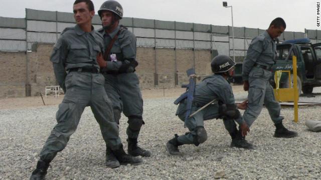 Detienen cinco personas con 10 toneladas de explosivos en Afganistán