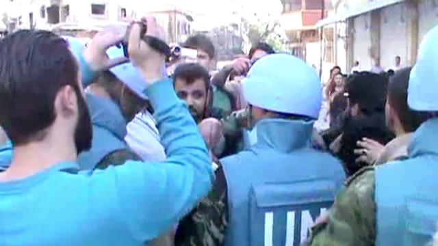 Sigue la violencia en Siria mientras se espera la llegada de más observadores de la ONU
