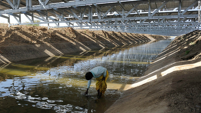 The solar panels sits atop a 750-meter stretch of the Sanand Branch Canal. The effort is part of the Sardar Sarovar Project developed by the Gujarat State Electricity Corporation Limited.