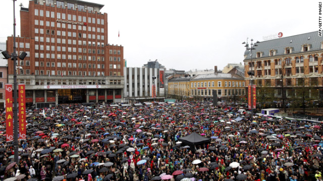 Norwegians sing to annoy mass killer
