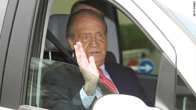 Spain's King Juan Carlos back in hospital for hip surgery