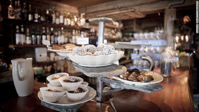Buustamons Mountain Farm is the highest hotel in the Åre mountain range. Perched right by the treeline, a good 723 meters above the sea, the hotel has a fine range of traditional Swedish nibbles on hand, as well as its very own vodka distillery.