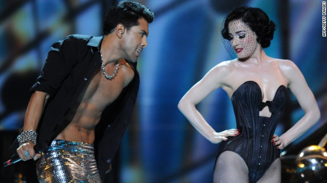 Burlesque artist Dita Von Teese accompanied German duo Alex Swings Oscar Sings in the 2009 contest, but her star power was unable to prevent the singers finishing in the bottom five.