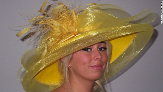 The great thing about a wide brim? No matter the weather at the Derby, if the sun is out, you're completely shaded by your own hat, like this bright wide brim from Henning.
