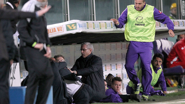 Delio Rossi lashes out at Adem Ljajic in the dug out after the midfielder sarcastically applauded his decision to replace him on the pitch. The outburst cost the Fiorentina coach Rossi his job.
