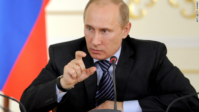 Russian prime minister Vladimir Putin has spoken out against European leaders' boycott of Ukraine's Euro 2012 matches, saying sport and politics should not mix.