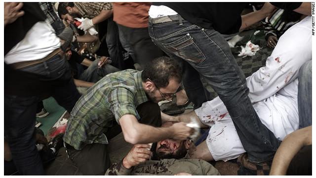 Egipto impone un toque de queda tras muertos y heridos por protestas