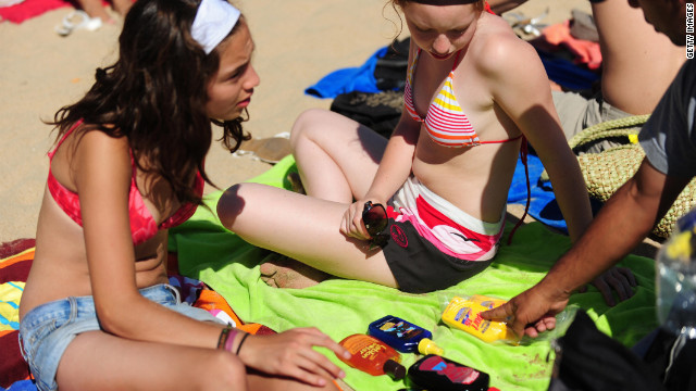 Task Force: Tell young patients to stay out of sun