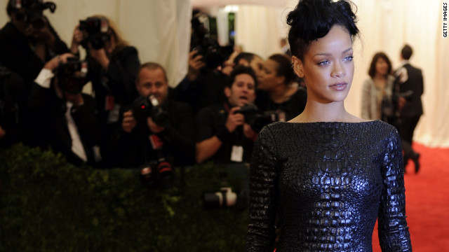 Overheard: Rihanna's waiting to be asked out, guys