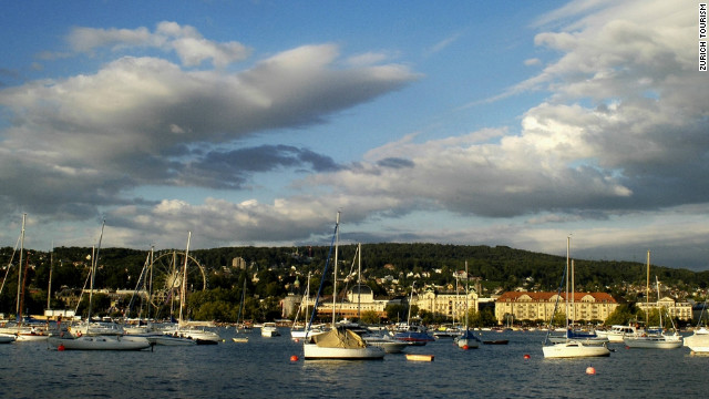 Zurich seen from the lake. Among other benefits, the ZurichCARD allows for free travel on the boats plying Lake Zurich.