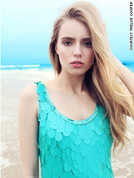 This fully sequinned dress, meanwhile, is inspired by the azure blue color of the Indian Ocean.