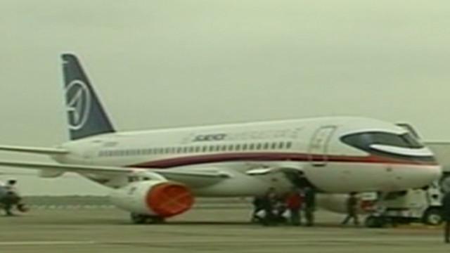 Desaparece un avión de pasajeros ruso en Indonesia