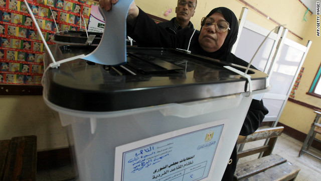 There are 586,914 Egyptians living abroad, they have until 17 May to cast their ballots at the nearest consulate or embassy.